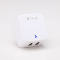 Универсальное сетевое зарядное устройство iHave Tank Travel charger на 2 USB 3.4A ,белое