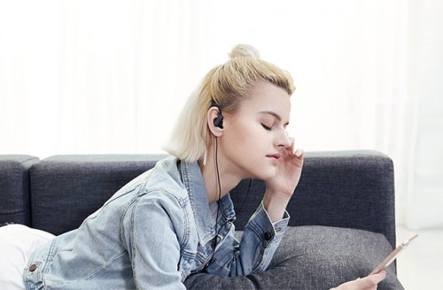 Беспроводные наушники Xiaomi Sport Bluetooth Mini,  белые