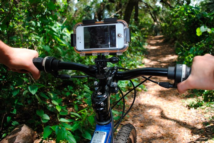 Водонепроницаемый и противоударный  чехол iClam для экстремальной съемки Apple iPhone 4/4S